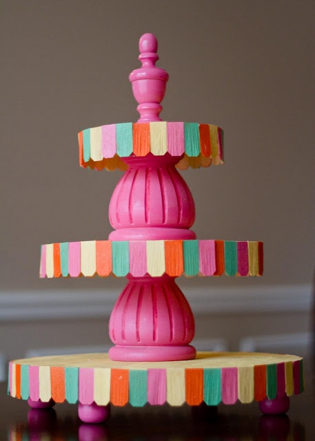 DIY cupcake stands ~ Easy to customize it in your party/celebration colors!