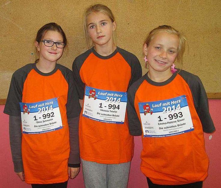 """Am Freitag, den 26.09.2014 fand das Charity-Event """"Lauf mit Herz"""" statt. Wir sponserten das Team """"Die schnellen Bräute"""". Die Läuferinnen waren Elina L. Viktoria T. und Emma-Helene S."""