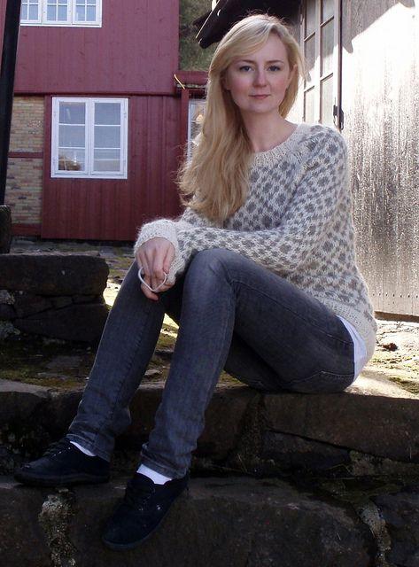 Long Faroese sweater by Hanne Magnusen