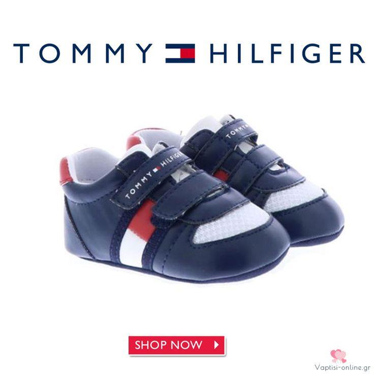 Sneaker αγκαλίτσας Tommy Hilfiger για αγοράκι Τα Sneaker αγκαλίτσας Tommy Hilfiger για αγοράκι είναι το δερμάτινο παπούτσι για το παιδί. Μπλε χρώμα με αυτοκόλλητα για κλείσιμο, έχει πάτο με το λογότυπο.