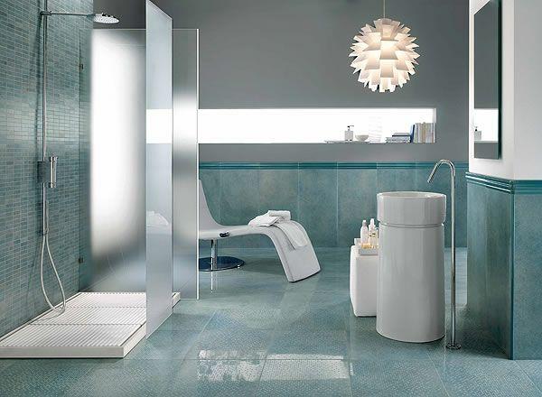 badezimmer fliesen graunuancen weie sanitrobjekte badfliesen grn mosaikfliesen groe bodenfliesen - Badezimmer Ideen Fliesen