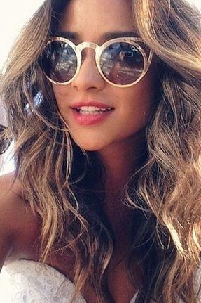 Quay Eyeware Invader Sunglasses in Gold