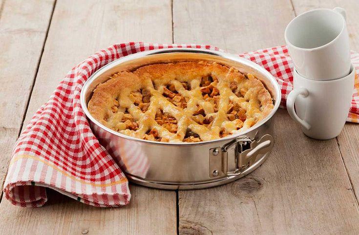 Zelf een appeltaart bakken vanaf de basis,  doe je met zelfrijzend bakmeel. Bekijk hier het ambachtelijke recept met een Oud-Hollandse smaak!