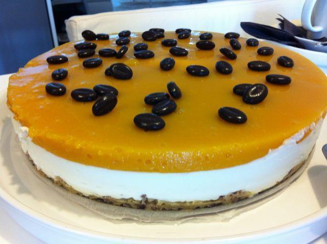 Vähähiilihydraattinen gluteeniton mangojuustokakku (karppaus) - kotikokki