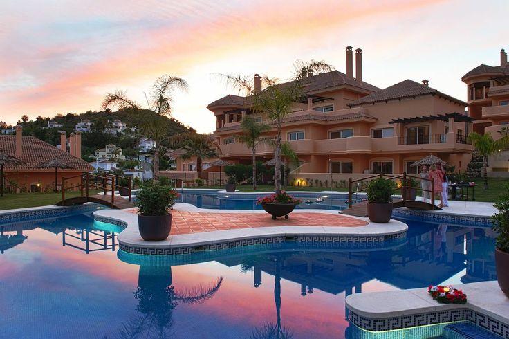 2 Bed apartment in Nueva Andalucia  http://www.paradisemarbellarealty.com/en-PMR-1064.html