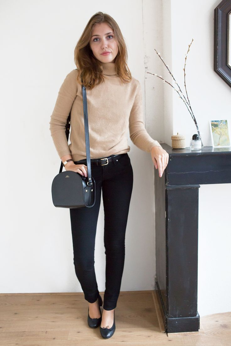 Uniqlo Turtleneck Sweater Outfit by Sartreuse 5. Wear solid colors