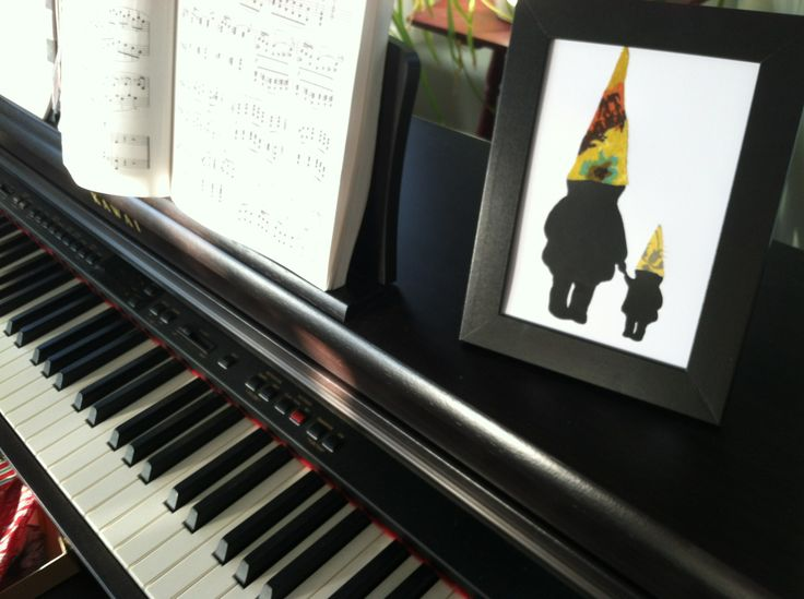 Single Gnome Parent 5x7 Framed Silhouette Art