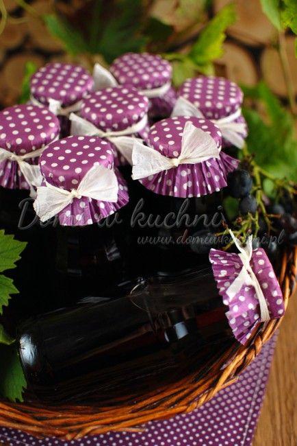 Sok z ciemnych winogron