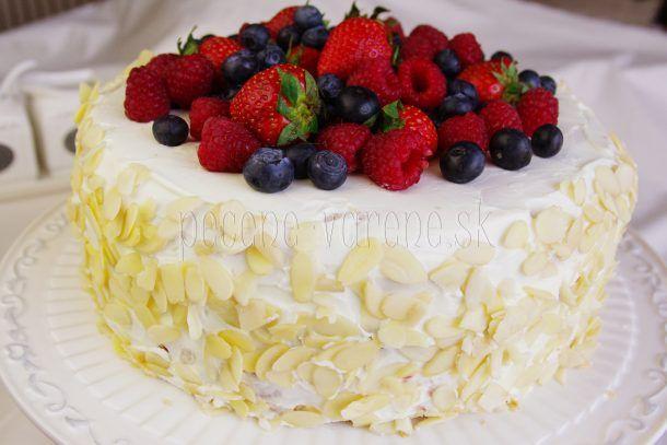 Osviežujúca ovocná torta s mascarpone a tvarohom