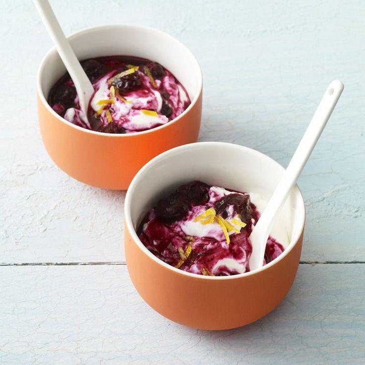 Greek Yogurt with Warm Blueberry Sauce | Recipes | Weight Watchers