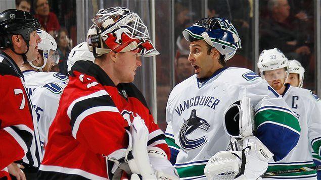 LNH – Résultats -  Au New Jersey, Cory Schneider et Roberto Luongo, anciens coéquipiers avec les Canucks de Vancouver, s'affrontaient pour la deuxième et dernière […]