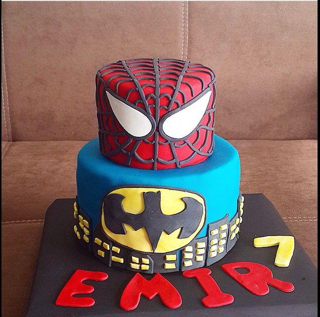 Spiderman vs Batman cake