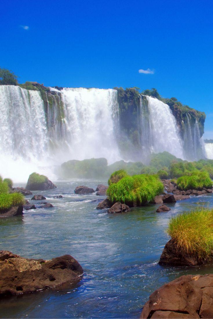 De mooiste watervallen ter wereld, heerlijke stranden en waanzinnige mooie plekjes, je vindt het allemaal in Brazilië! Dit land is zo waanzinnig mooi dat je hier echt een keer geweest wilt zijn! Je kunt ontspannen, genieten van cultuur en van natuur in een reis en je maakt echt iedereen jaloers met deze reis! Met wie wil jij de aller mooiste reis van je leven gaan maken? https://ticketspy.nl/deals/de-aller-mooiste-reis-rondreis-door-brazilie-va-e1609/