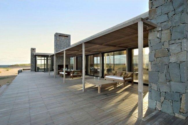Contemporary timber and concrete beach house in Uruguay   Designhunter - architecture & design blog