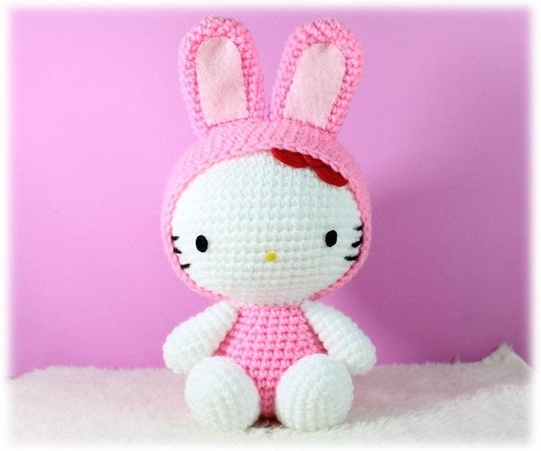 Amigurumi Hello Kitty in Chinese Zodiac Cosplay : Rabbit. $27.00, via Etsy.