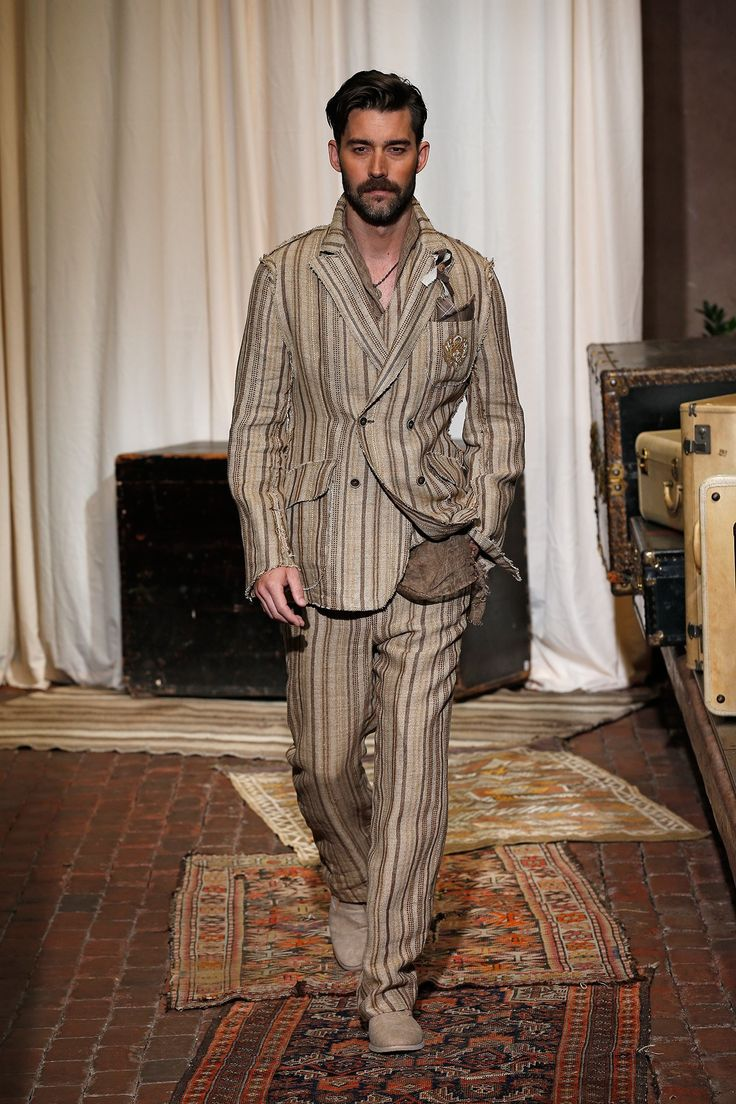 http://www.vogue.com/fashion-shows/spring-2017-menswear/joseph-abboud/slideshow/collection