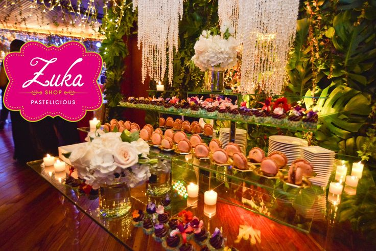 ENCHANTED GARDEN OF MINI DESSERTS, PETIT FOURS FOR A BEAUTIFUL WEDDING