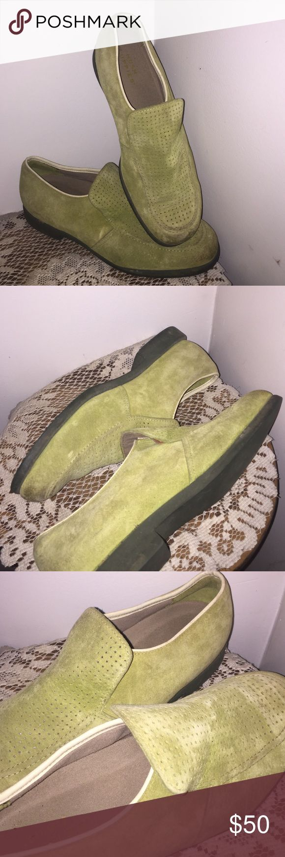 Hush puppies loafers green suede slip on Hushpuppies loafers green suede slip on. Size 9 1/2. Flawless. Hush Puppies Shoes Loafers & Slip-Ons