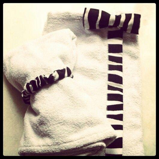 Dopo Banho e Turbante - saída de banho com aplique de tecido animal print zebrado