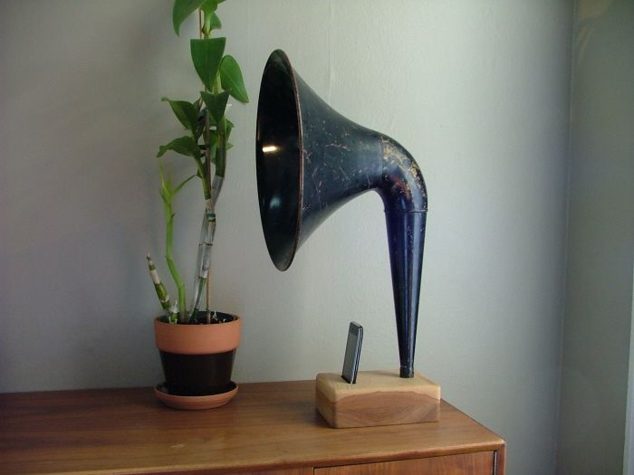 iPhone Horn by Matt RichmondMusic, Dreams Man, Old Schools, Ipods, I Phones, Iphone Horns, Products, Design, Man Caves