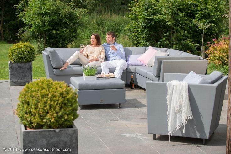 Dit is de Beluga loungeset van Taste by 4 Seasons. Deze prachtige lounge set heeft een moderne en strakke uitstraling. Deze set zal geweldig in je tuin staan!