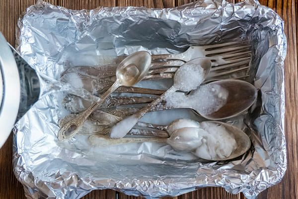 rengöra silver bikarbonat