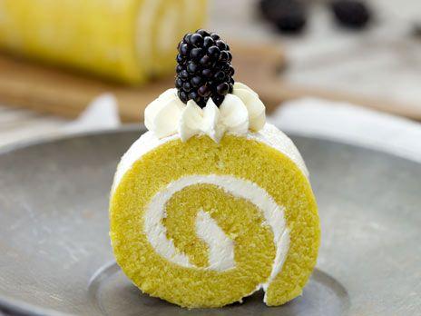 Citronrulltårta med marängfrosting   Recept.nu