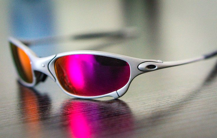 Oakley Sunglasses (Men's Pre-owned X-Metal Juliet Sun Glasses, X Metal Frame, 3 Interchangeable Lenses; Gold Iridium, Polarized Fire Red, and Dark Red)