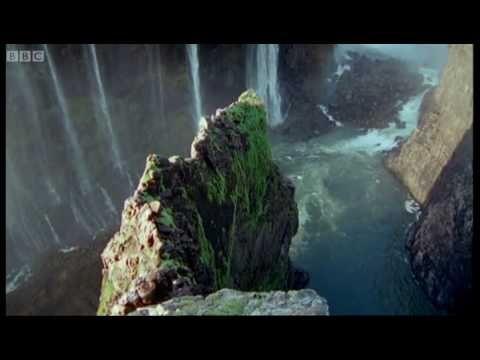 The world's largest waterfall - Victoria Falls.  @holidayaccess @victoriafalls #travel