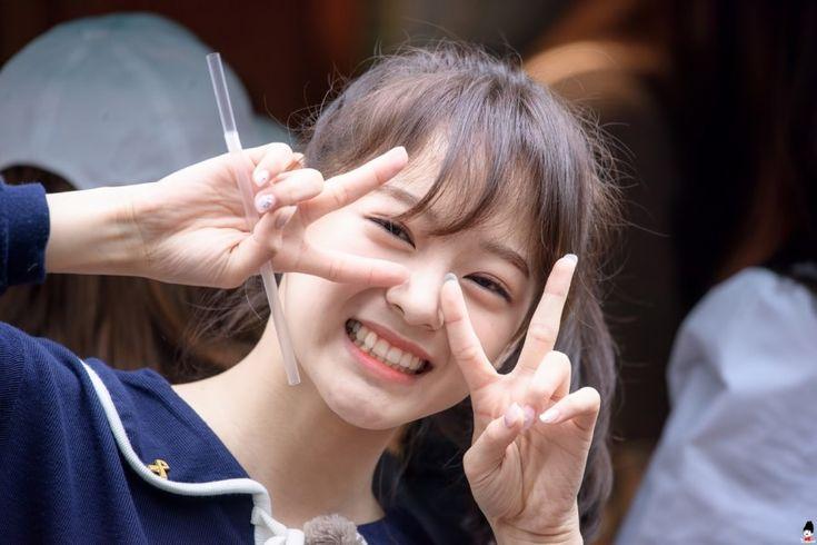 IOI - Kim SeJeong #김세정 #세정 (JELLYFISH) #갓세정 160521 commute