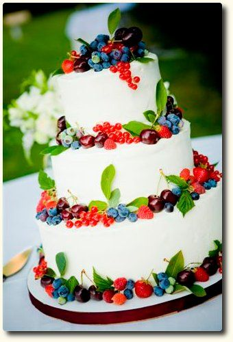 Beautiful berry cake w/green leaves