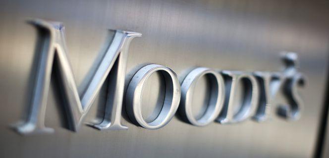 2016 Mz 16 - Moody's cree que la artillería del BCE debilita a la banca y no elevará el crédito