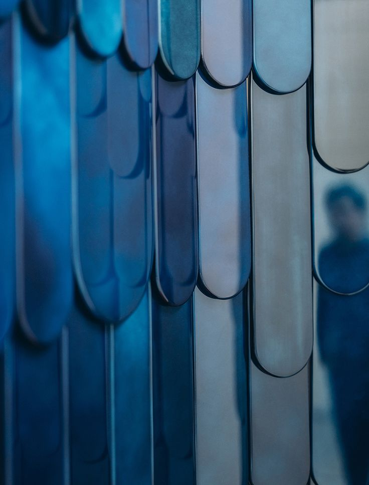 grégoire de lafforest + mireille herbst's ARA screen takes influence from the macaw parrot
