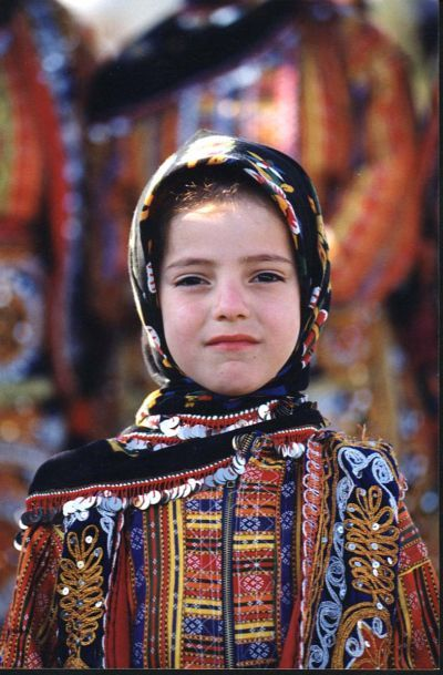 Yöresel kıyafetler,sivas zara yöresi kıyafeti küçük kız