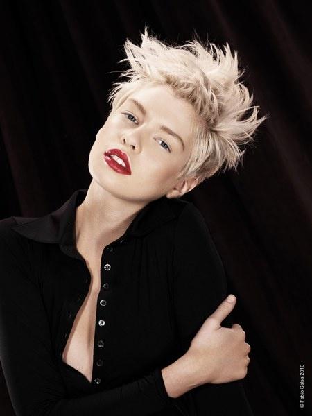 Short hair, red lipstick