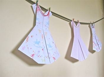 Girls Wall Art - Bunting 3 Frocks