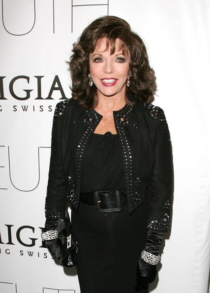 "Joan Collins Photos Photos - Actress Joan Collins attends Sony Pictures Classics' Premiere Of 'Sleuth' at the Paris Theatre on October 2, 2007 in New York City. - Sony Pictures Classics' Premiere Of ""Sleuth"" - Arrivals"