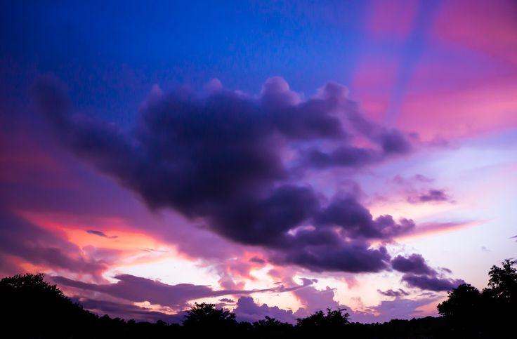 Super Sunset   Camera: SONY NEX 6 Focal Length: 16mm  Stutter Speed: 1/125sec.  Aperture: f/5.6 ISO: 800