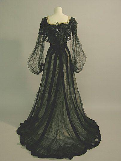 Evening Dress, Russell & Allen: ca. 1900, English, net over silk, velvet, boned bodice. This evening dress was worn by Maud Messel.