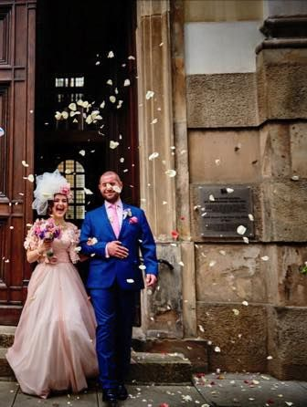 Amazing Alice in Wonderland Wedding and Decolove Bride wearing our Silvia Flower Veil handsewn from silk flowers and thulle