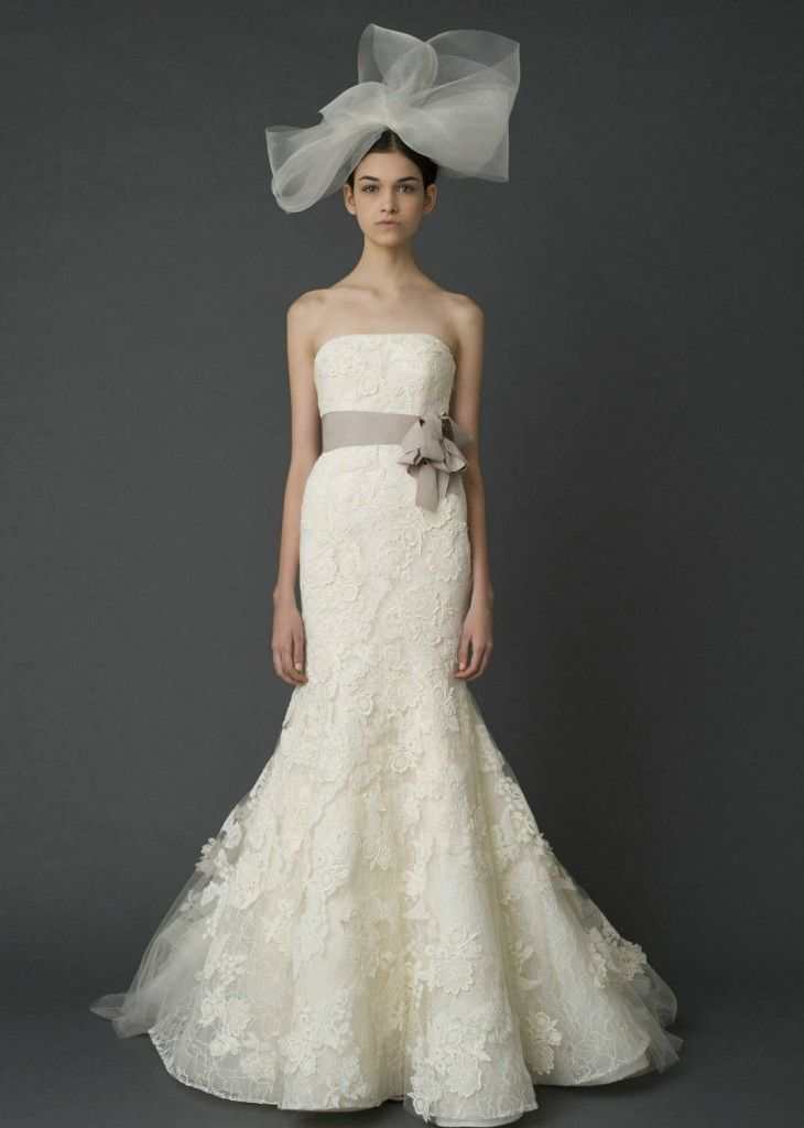 Cute New sample and used Vera Wang wedding dresses for sale at amazing prices Browse our Vera Wang wedding gowns and find your dream dress for less