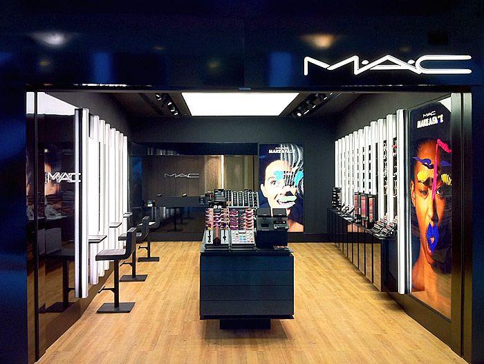 Loja MAC Cosmetics no shopping Leblon, no Rio - via FAL