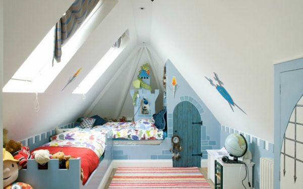 kinderzimmer dachboden spielplatz jungen ritterturm blau wei deko zimmer pinterest f r. Black Bedroom Furniture Sets. Home Design Ideas