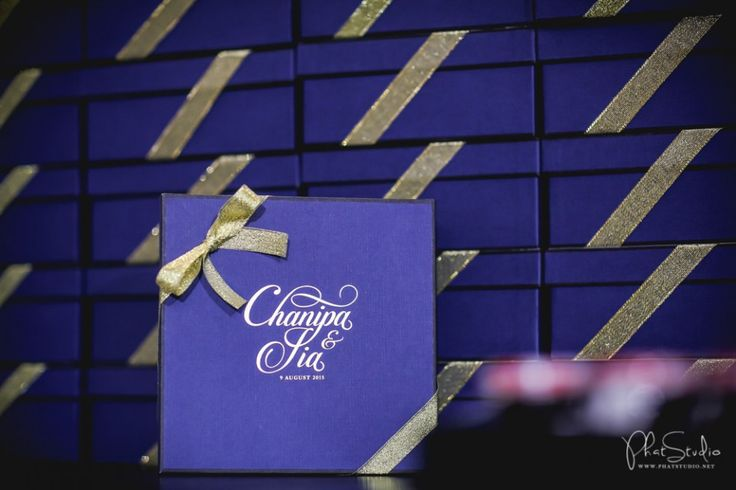 Elegant + Modern City Wedding งานแต่งไทย ผสม จีน เรียบหรูด้วย สีทอง สีน้ำเงิน + ของชำร่วยหวาน ๆ