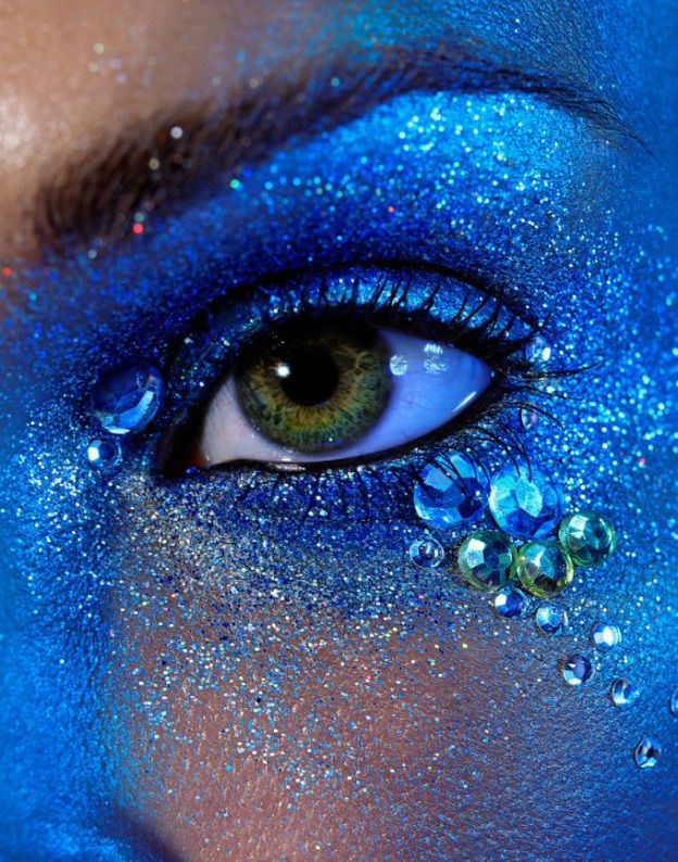 Beautiful make up, mermaid makeup, sparkly, blue, majestical, eye shadow,