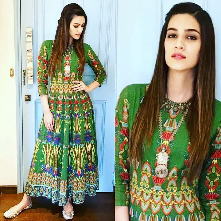 #beautiful #kriti #kritisanon  #stylish #gogreen . . . #bollywood #celebrities #actress #singer #model #photography #beauty #music #acting #photos #pics #repost#beautiful #cute #adorable #fashion #style #swag #attitude #glamour #repost #style.cell #follow