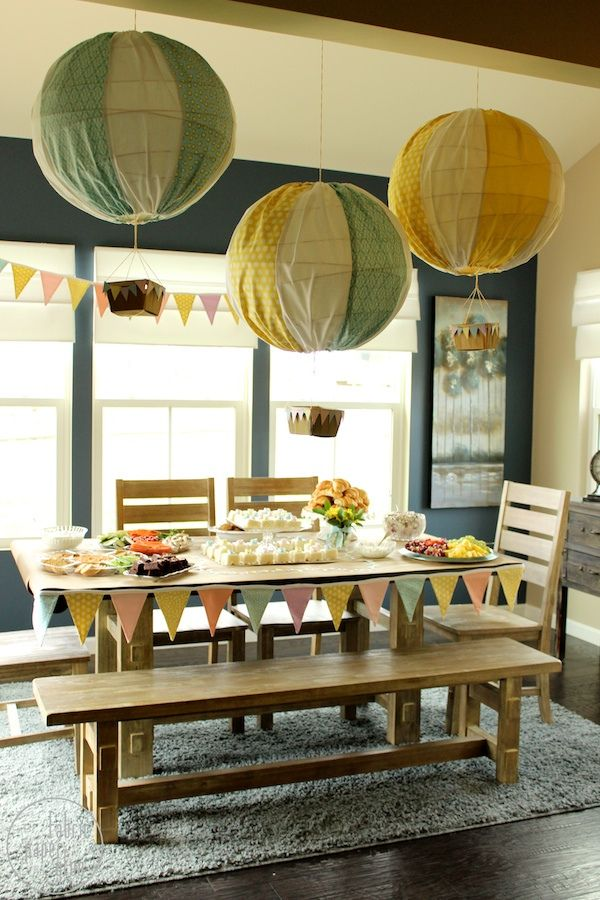 Decorate your next party with these handmade hot air balloons. This crafty idea can brighten up any occasion, including baby showers, themed events or birthday parties! Click in for step-by-step instructions via Fabric Paper Glue.