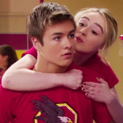 are sabrina and peyton dating