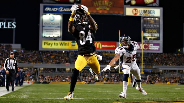 Antonio Brown catches a touchdown pass in the third quarter of the Steelers' comeback win over the Broncos. The Steelers pulled off a huge comeback against the Broncos, thanks to the pairing of Ben Roethlisberger and Antonio Brown.  12/20/2015