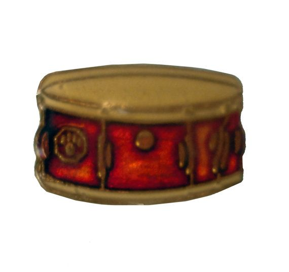 """vintage SNARE DRUM instrument metal pin pinback marching band drum line by VintageTrafficUSA  12.00 USD  A vintage snare drum pin! Excellent condition. Measures: approx 1"""" Add inspiration to your handbag tie jacket backpack hat or wall. Have some individuality = some flair! -------------------------------------------- SECOND ITEM SHIPS FREE IN USA!!! LOW SHIPPING OUTSIDE USA!! VISIT MY STORE FOR MORE ITEMS!!! http://ift.tt/1PTGYrG FOLLOW ME ON FACEBOOK FOR SALE CODES AND UPDATES…"""
